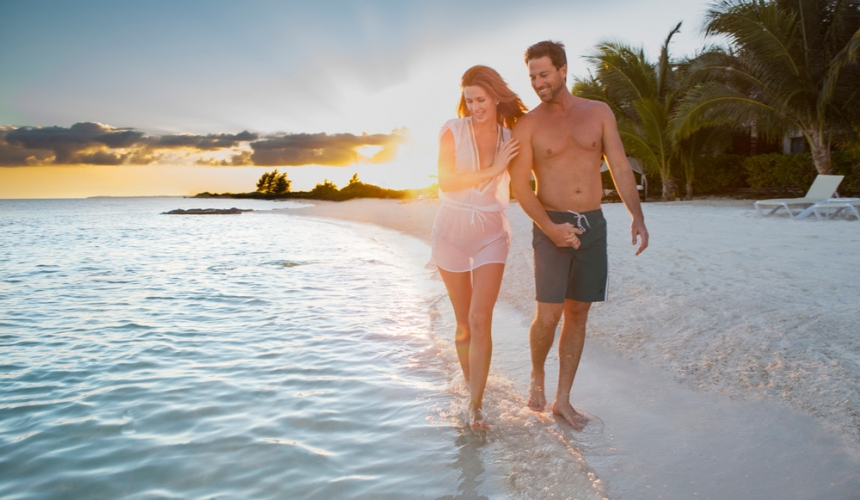 Couple-Beach-Sunset-Elk-Grove-Village-Chicago-Honeymoon-Cancun-Travel-Resort-Romantic-Leisure