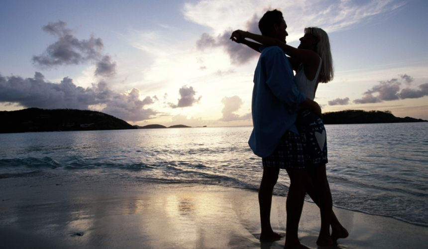 Honeymoon-Travel-Beach-Couple-Young-Love-Chicago-Custom-Trip-Package-Special-Destination