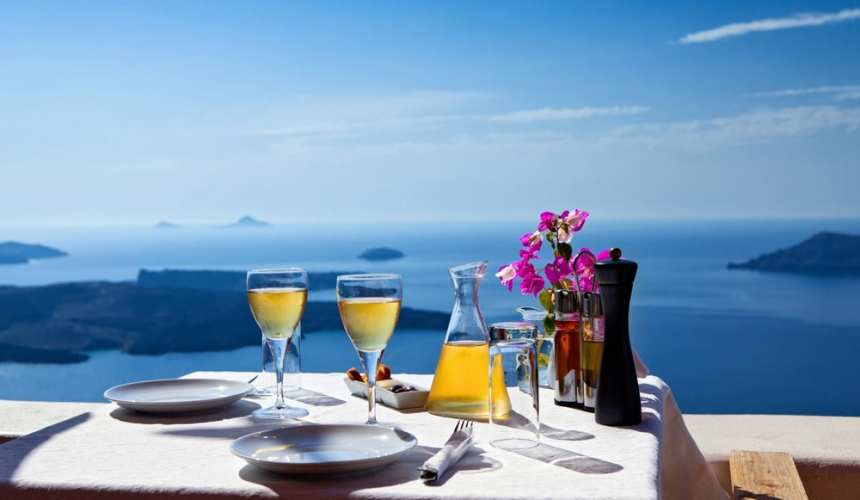 Romantic-Honeymoon-Greece-Europe-Travel-Love-Special-Couple-Young-Specialist-Breakfast-Dinner-Lunch