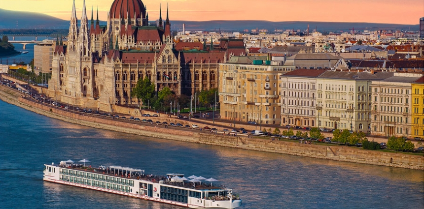 Viking_Longship_in_Budapest_Sunset-River-Cruise-Travel-Agent-Excursion-Reasons-Why-Elk-Grove-Village