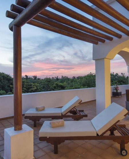 Valentin-Imperial-Riviera-Maya-Hotel-Playa-del-Carmen-Relax-Retreat-Vacation-Women